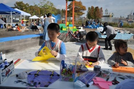 Kite making at the Fall Waterfront Celebration